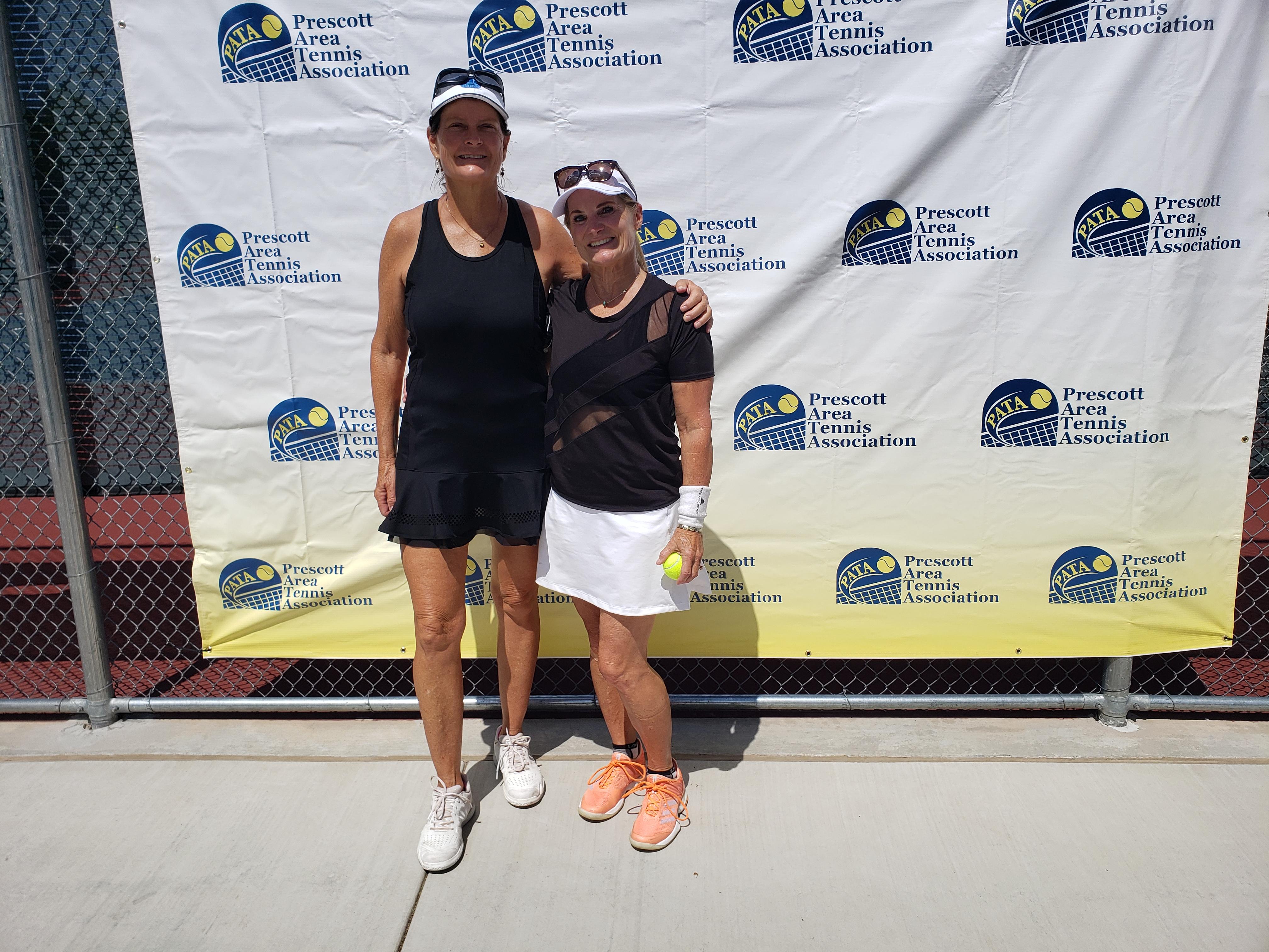 Womens 40 Doubles Finalists - Andrea Meyers & Lynn Matthews